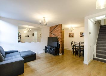 2 bed maisonette to rent in Rampayne Street, Pimlico, London SW1V