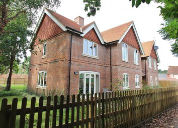Shepard Place, Pangbourne, Reading RG8. 2 bed flat