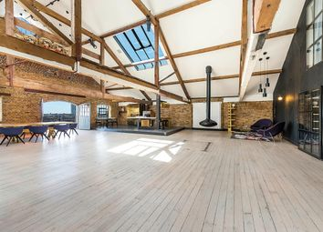 Thumbnail 2 bedroom flat to rent in Wapping Wall, London