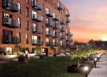 Thumbnail 2 bed flat for sale in Petersfield Avenue, Slough