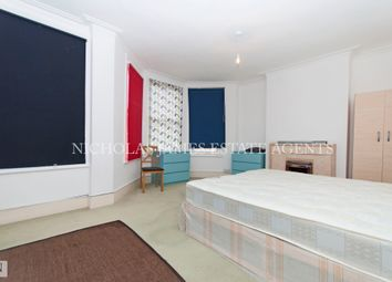 Thumbnail 1 bedroom flat to rent in Beech Road, Bounds Green
