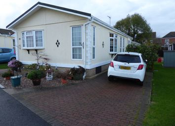 Thumbnail 2 bed mobile/park home for sale in Kingsmead Park, Rushden, Northamptonshire