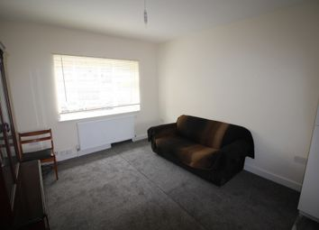 Thumbnail 3 bed flat to rent in Copdale Road, Leicester