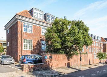 Thumbnail 2 bed flat for sale in Middlesex Court, Glenhurst Road, Brentford