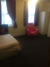 Thumbnail Room to rent in Grove Road, London