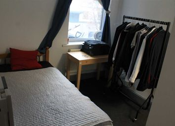 Thumbnail Studio to rent in Commercial Road E1, London