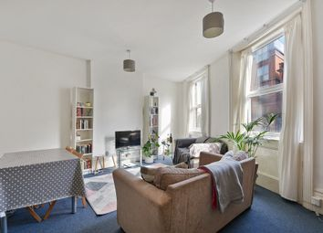 3 bed maisonette to rent in Walm Lane, London NW2