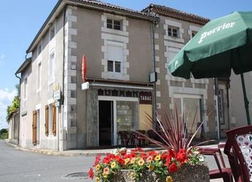 Thumbnail Pub/bar for sale in Adriers, Vienne, France