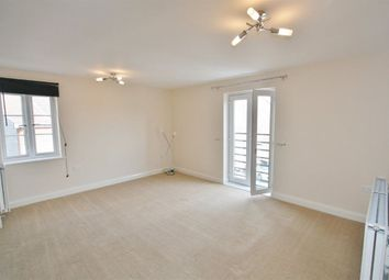 Thumbnail 1 bed flat to rent in Englefield Way, Basingstoke
