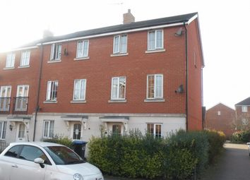 Thumbnail 5 bedroom terraced house for sale in Dragon Road, Hatfield