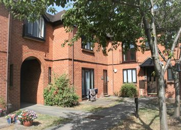 2 bed flat to rent in Plested Court, Stoke Mandeville, Aylesbury HP22
