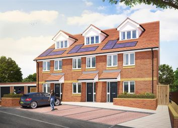 Thumbnail 3 bed town house for sale in Cliffe Road, Strood, Rochester, Kent