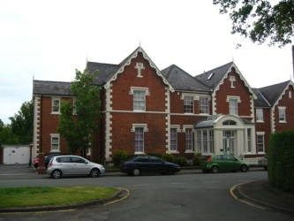 Thumbnail 2 bed flat to rent in Queenscourt, Victoria Crescent, Chester