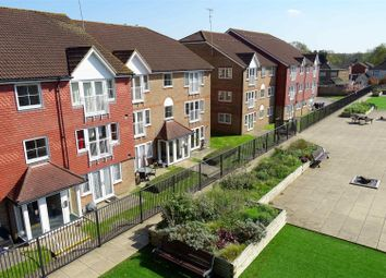 Thumbnail 2 bed flat to rent in Tuscany Gardens, Crawley