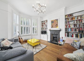 Bramston Road, London NW10. 2 bed flat