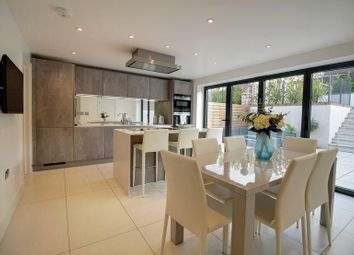 Thumbnail 4 bed detached house to rent in Farm Close, Cuffley