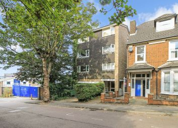 Thumbnail 1 bedroom flat for sale in Crescent Rise, Luton