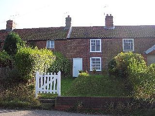 Thumbnail 3 bed cottage to rent in Church Hill, Beccles Road, Norwich