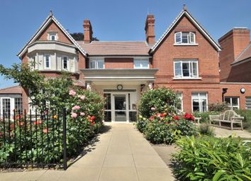 Thumbnail 2 bed flat for sale in St. Pauls Cray Road, Chislehurst, Kent