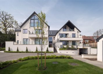 Thumbnail 3 bedroom flat for sale in South Park Crescent, Gerrards Cross, Buckinghamshire