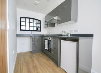 1 bed flat to rent in Isambard Brunel Road, Portsmouth PO1