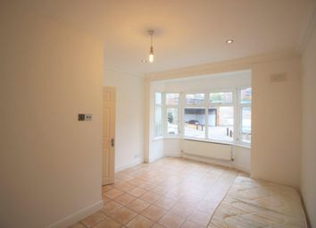 Thumbnail 2 bed flat to rent in Leaside Road, Clapton