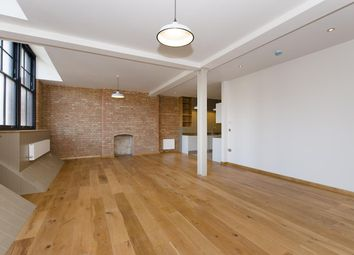 Thumbnail 3 bed flat to rent in Curtain Road, Islington, London