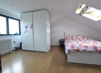 Thumbnail 2 bed flat to rent in Muswell Road, London