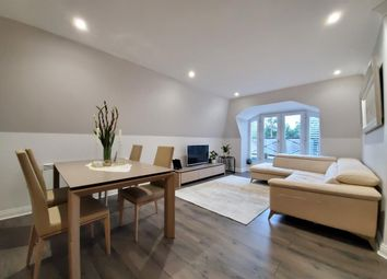Old Bath Road, Charvil, Reading RG10. 3 bed flat for sale