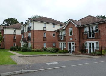 Thumbnail 2 bed flat to rent in Three Bridges Road, Crawley