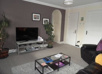 Thumbnail 1 bed flat to rent in Warwick Court, Warwick Road, Beaconsfield