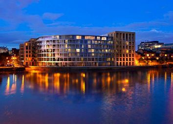 Thumbnail 1 bed flat for sale in Queens Wharf, Hammersmith