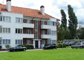 Thumbnail 2 bed flat to rent in Deacons Hill Road, Elstree, Borehamwood
