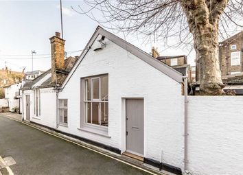 Thumbnail 2 bed property to rent in Pembroke Walk, London