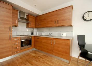 Thumbnail 2 bed flat to rent in Fieldgate Street, Liverpool Street