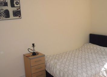 Room to rent in Talwin Street, London E3