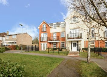 Thumbnail 2 bed flat to rent in Edgware HA8,