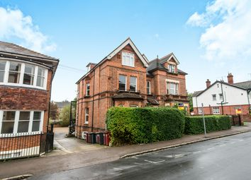 3 bed flat to rent in Russell Street, Reading RG1