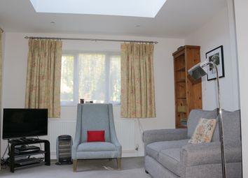 Thumbnail 1 bed maisonette to rent in Parvis Road, West Byfleet, Surrey