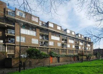 2 bed maisonette to rent in Solander Gardens, Shadwell, London E1
