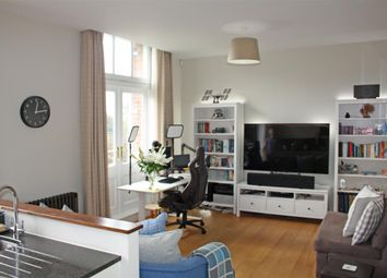 Thumbnail 1 bed flat for sale in King Edward VII Apartments, Kings Drive, Midhurst