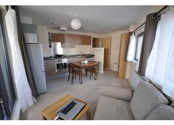 Thumbnail 1 bed flat to rent in Cottage Road, Islington