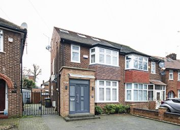 5 bed property to rent in Cleveland Gardens, Brent Cross, London NW2