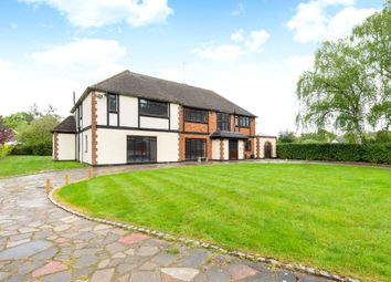 Thumbnail 6 bed detached house to rent in Pottersheath Road, Welwyn, Hertfordshire