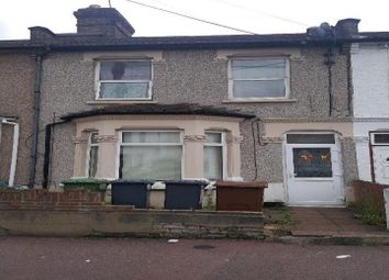 Thumbnail 1 bed flat to rent in Faircross Avenue, Barking, London