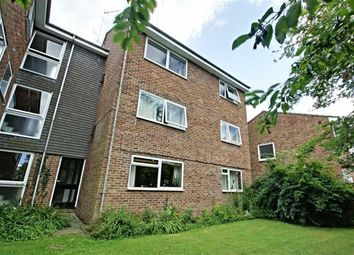 Thumbnail 2 bedroom flat to rent in Riverside Close, Kings Langley