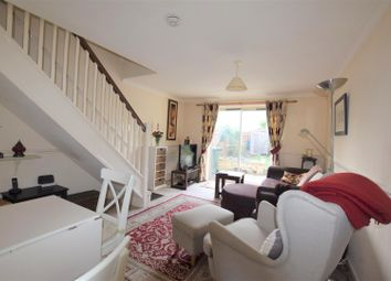 2 bed property for sale in Avocet Way, Bicester OX26