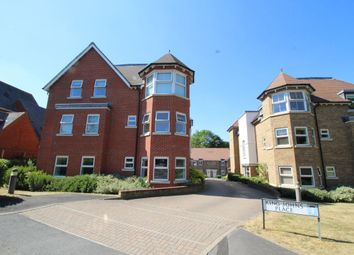 2 bed flat to rent in Egham Hill, Englefield Green, Egham TW20