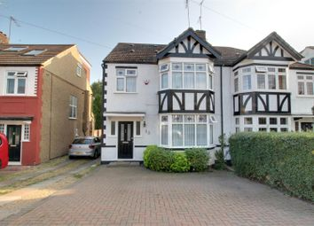 4 bed property for sale in Willow Walk, London N21