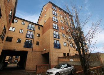 Thumbnail 2 bed flat for sale in Crawley Court, Gravesend, Kent